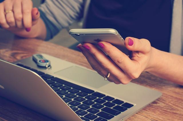 iPad przyczyną spadku sprzedaży pecetów?
