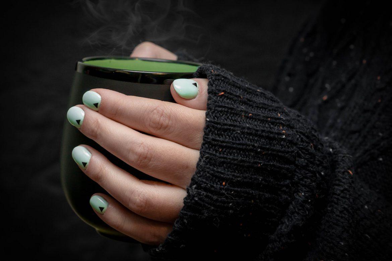 Słabe paznokcie: jakich składników może im brakować?