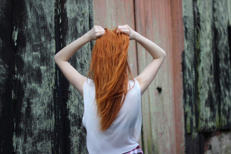 Jakimi lekami można wzmocnić włosy?
