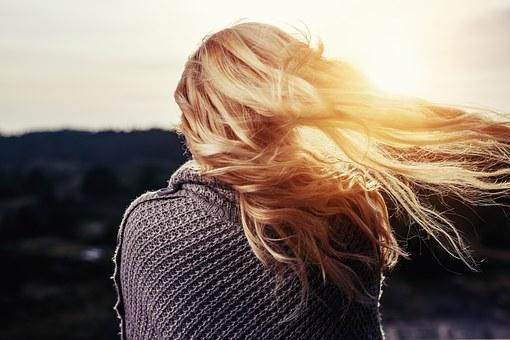 Dbamy o włosy: odpowiednia szczotka