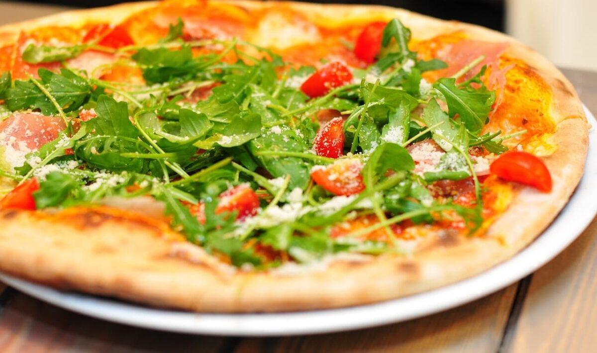 Pizza: danie, które kojarzy się z Włochami